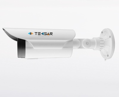AHD Видеокамера TECSAR AHDW-2M-60V